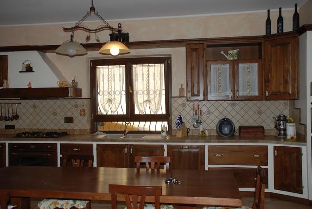 Cucine finta muratura roma ante e telai legno massello - Ante per cucine in muratura ...